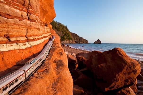 Εκπληκτικές φωτογραφίες ενός τρένου μινιατούρας που διασχίζει τον Καναδά (1)