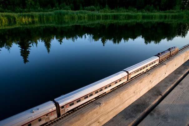 Εκπληκτικές φωτογραφίες ενός τρένου μινιατούρας που διασχίζει τον Καναδά (7)