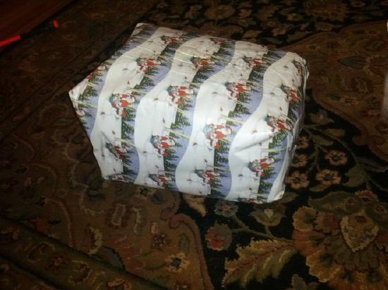 Καλή τύχη με το άνοιγμα αυτού του χριστουγεννιάτικου δώρου... | Otherside.gr (9)
