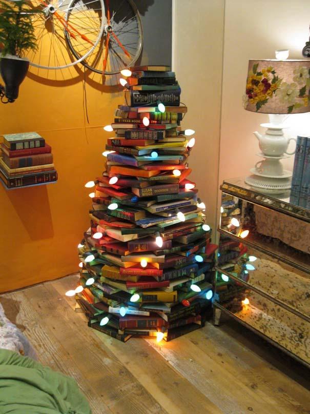 Αστεία χριστουγεννιάτικα δέντρα: Η κρίση μας κάνει ευρηματικούς! (2)