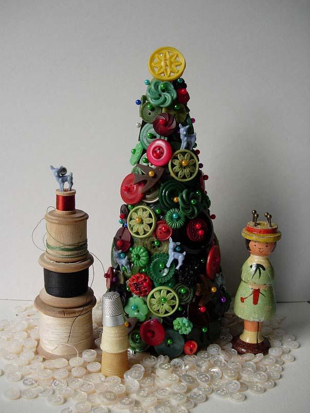 Αστεία χριστουγεννιάτικα δέντρα: Η κρίση μας κάνει ευρηματικούς! (6)