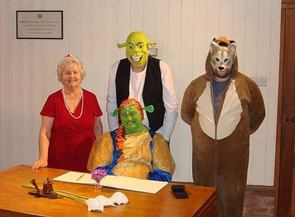 Ζευγάρι έκανε γάμο εμπνευσμένο από τον Shrek (4)