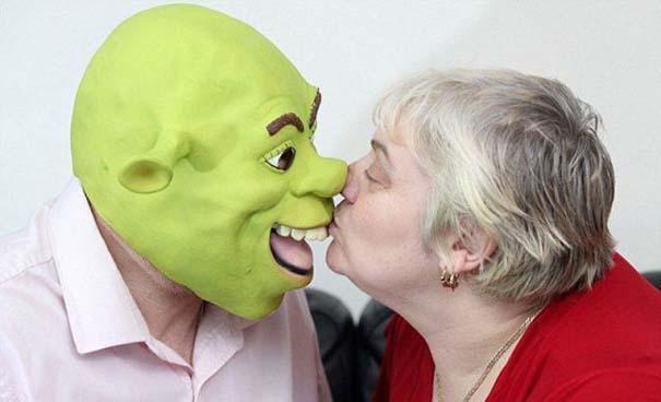 Ζευγάρι έκανε γάμο εμπνευσμένο από τον Shrek (6)