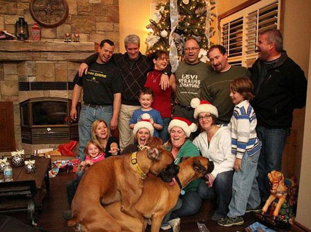 Παράξενες οικογενειακές φωτογραφίες Χριστουγέννων (1)