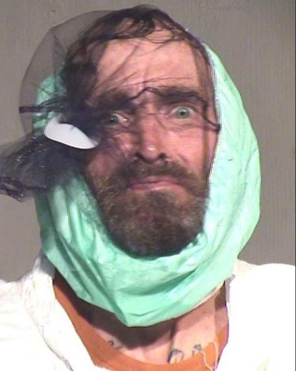 Οι πιο τραγικές φωτογραφίες συλληφθέντων του 2012 (23)