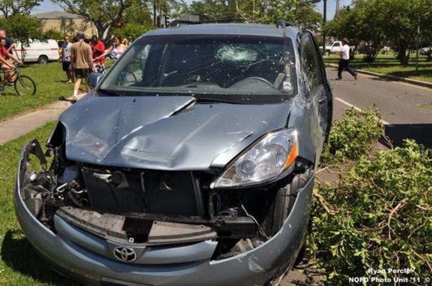 Σπάνιο τροχαίο ατύχημα στη Νέα Ορλεάνη (4)