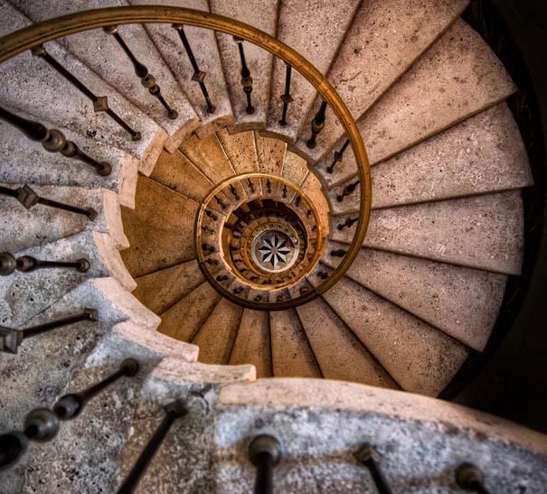 20 σπιράλ σκάλες που μοιάζουν με έργα τέχνης