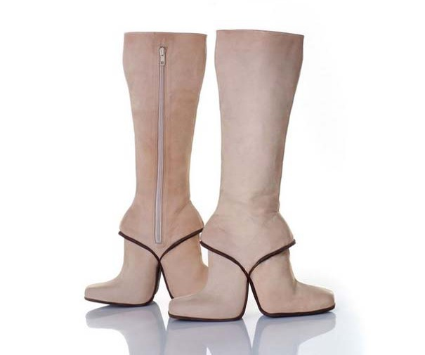 Τρελά και απίστευτα παπούτσια (1)