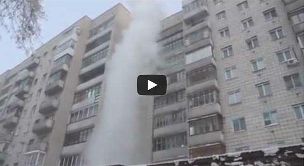 Τι θα συμβεί αν πετάξεις βραστό νερό από το μπαλκόνι στους -41°С