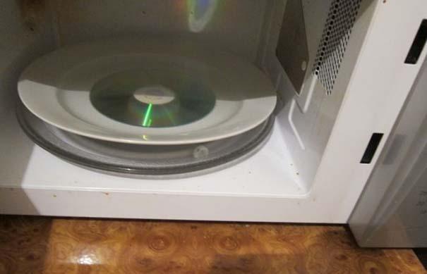 CD σε φούρνο μικροκυμάτων (1)