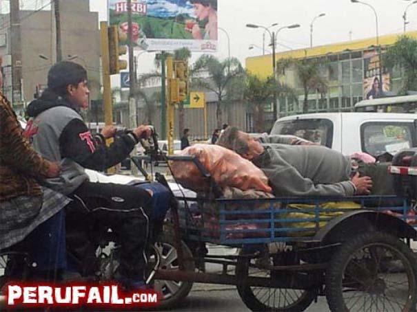 Εν τω μεταξύ, στο Περού... (11)