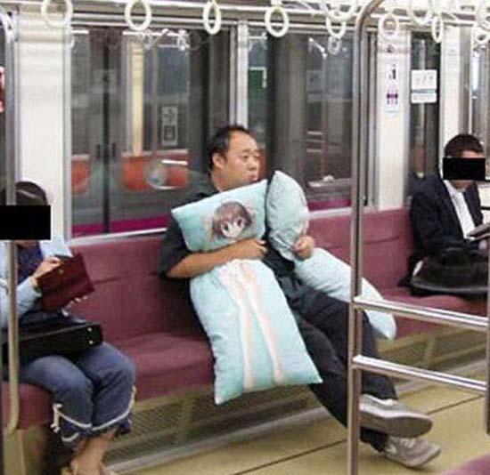 Παράξενες και κωμικοτραγικές φωτογραφίες στα μέσα μεταφοράς (29)