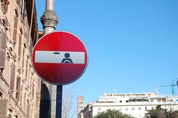 «Πειραγμένες» οδικές πινακίδες (2)