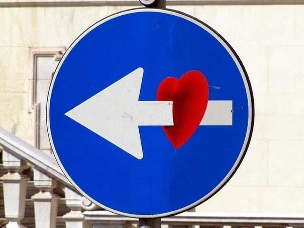 «Πειραγμένες» οδικές πινακίδες (4)