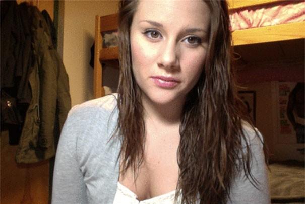 Πως σας φαίνεται αυτή η κοπέλα; (1)