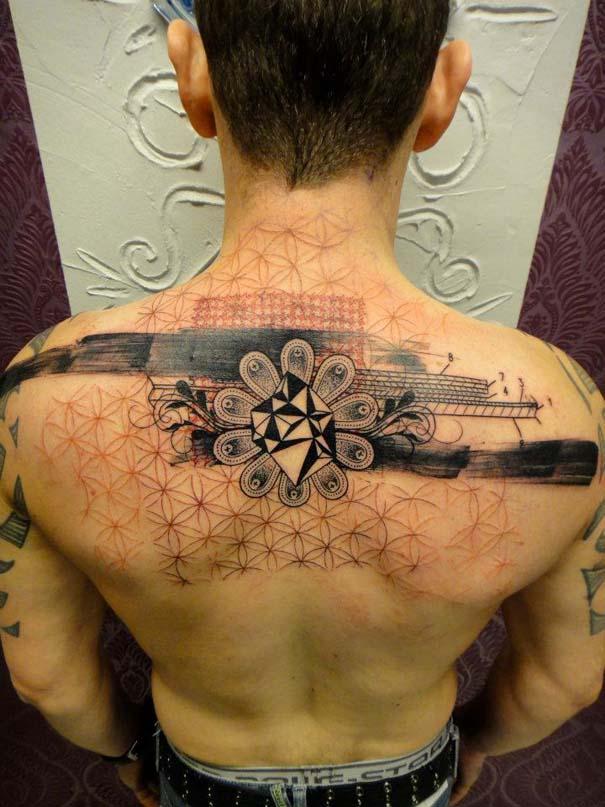 Τατουάζ που μοιάζουν βγαλμένα από το Photoshop (23)