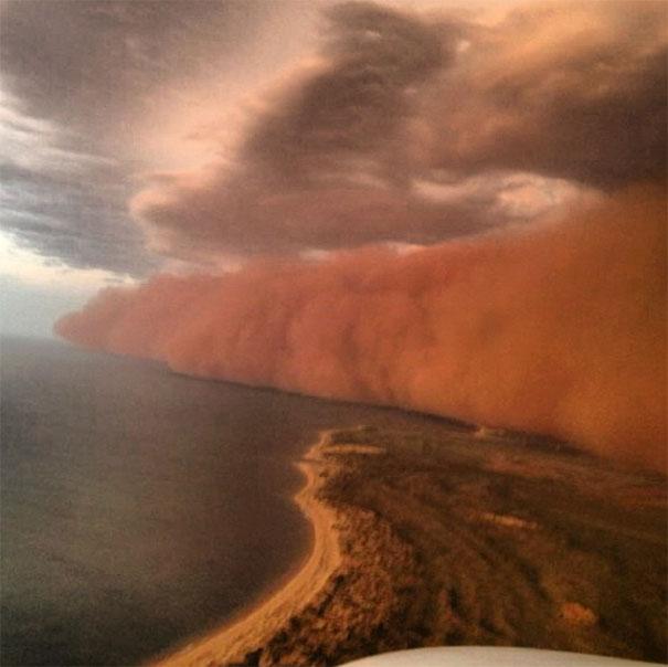 «Τσουνάμι» σκόνης στην Αυστραλία (9)