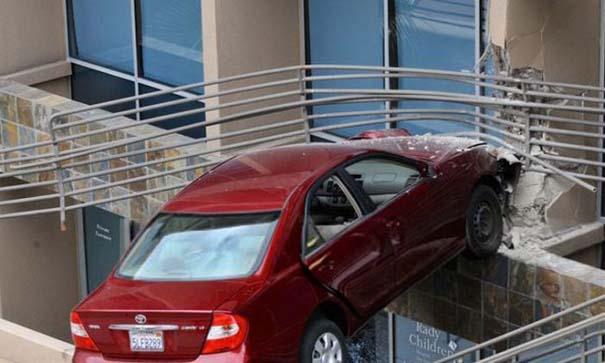 Εξαιρετικά σπάνιο τροχαίο ατύχημα (5)