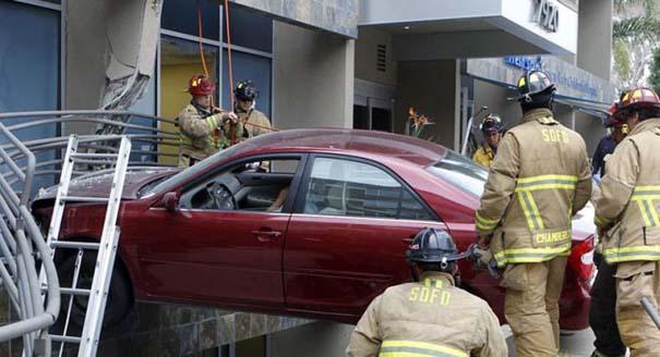 Εξαιρετικά σπάνιο τροχαίο ατύχημα (8)