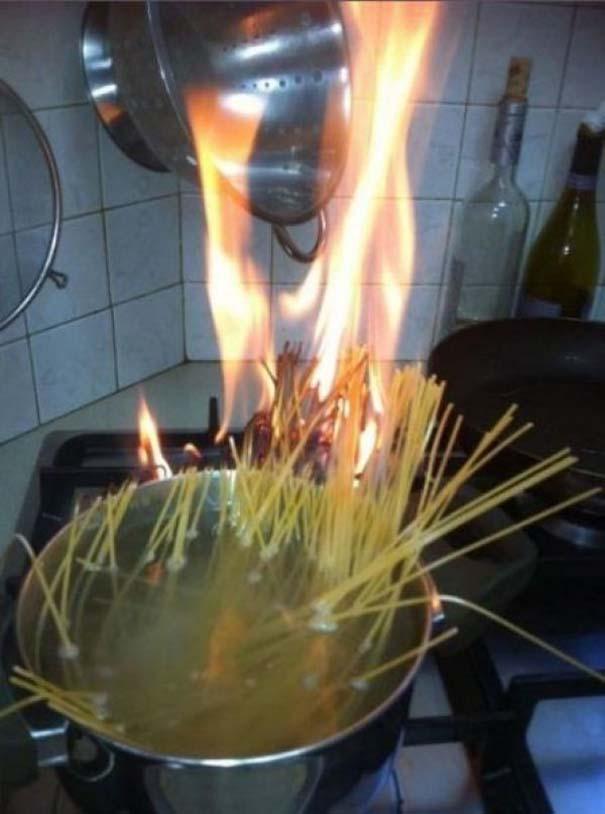 Άνθρωποι που νόμιζαν ότι μπορούσαν να μαγειρέψουν (16)