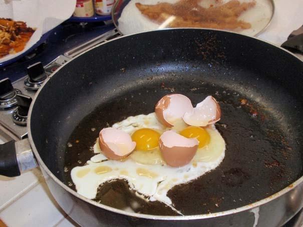 Άνθρωποι που νόμιζαν ότι μπορούσαν να μαγειρέψουν (24)