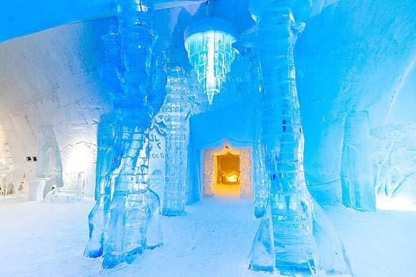 Μαγευτικό ξενοδοχείο από πάγο στον Καναδά (1)