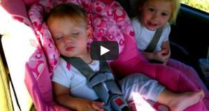 Μωρό κοιμάται σαν αγγελούδι μέχρι που αρχίζει το αγαπημένο της τραγούδι (Video)