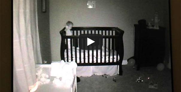 Το μωρό-βουτηχτής που κάνει θραύση στο διαδίκτυο