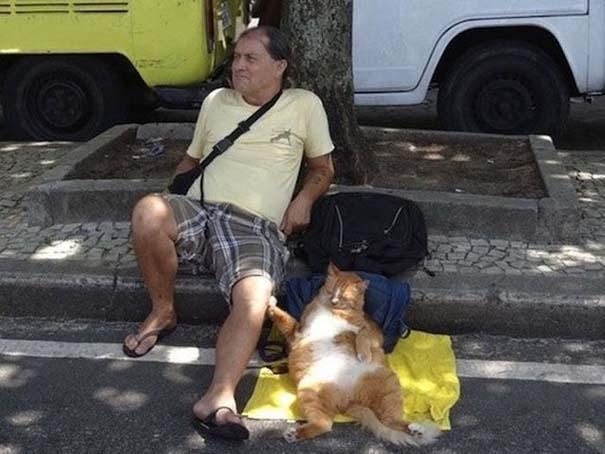 Οι 45 πιο περίεργες φωτογραφίες ανθρώπων που ποζάρουν με ζώα (7)