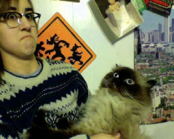 Οι 45 πιο περίεργες φωτογραφίες ανθρώπων που ποζάρουν με ζώα (38)