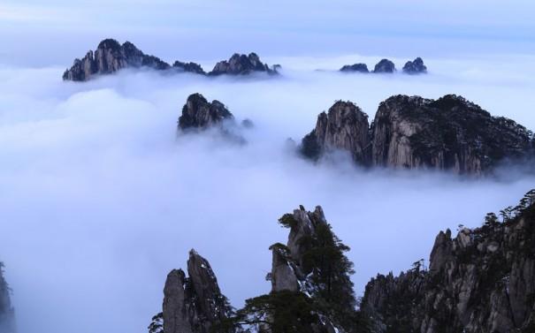 Θάλασσα από σύννεφα   Φωτογραφία της ημέρας