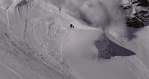 Σκιέρ «δαμάζει» χιονοστιβάδα με απίστευτο τρόπο (Video)