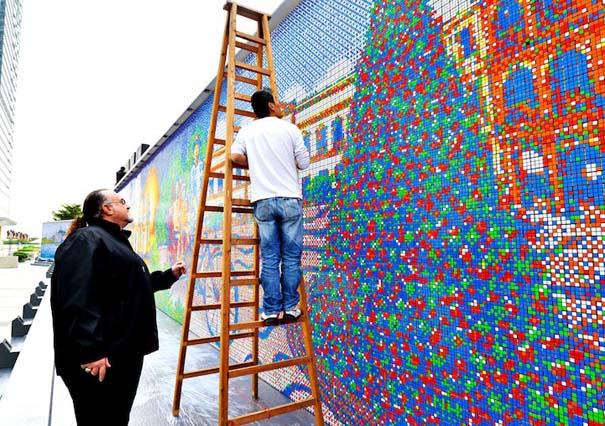 Τοιχογραφία ρεκόρ από 85.794 κύβους του Rubik (3)