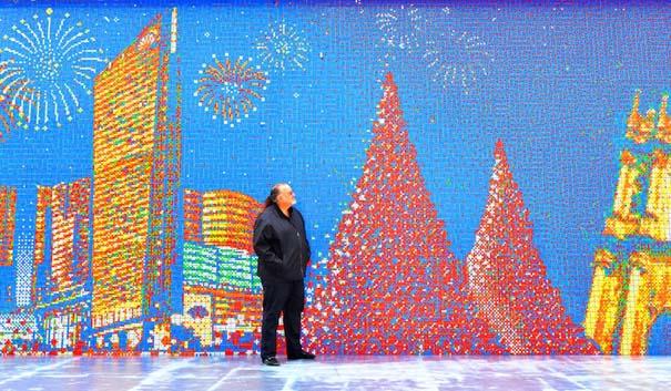 Τοιχογραφία ρεκόρ από 85.794 κύβους του Rubik (4)