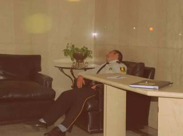 Τους πήρε ο ύπνος πάνω στο καθήκον (1)