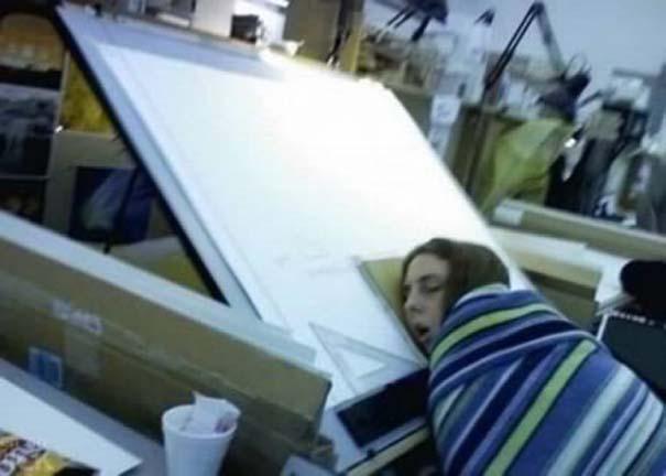 Τους πήρε ο ύπνος πάνω στο καθήκον (4)