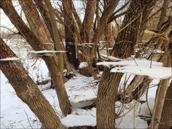 Χειμερινή πλημμύρα άφησε πίσω της σουρεαλιστικές εικόνες (1)