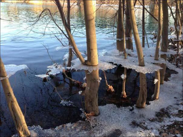 Χειμερινή πλημμύρα άφησε πίσω της σουρεαλιστικές εικόνες (2)