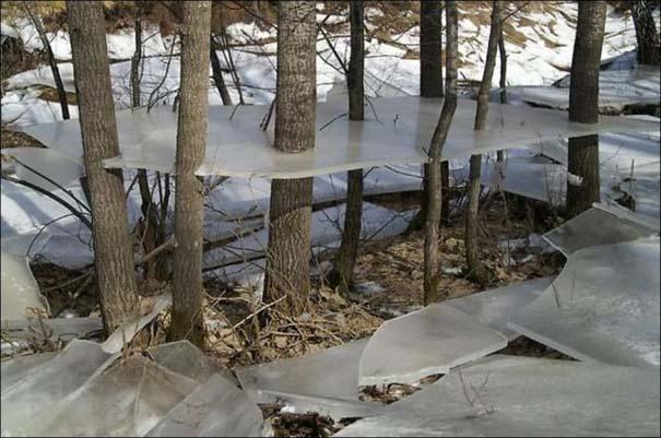 Χειμερινή πλημμύρα άφησε πίσω της σουρεαλιστικές εικόνες (3)
