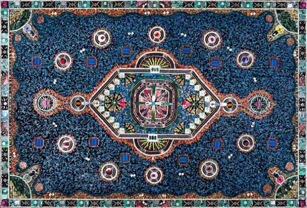 Μπορείτε να μαντέψετε από τι είναι φτιαγμένο αυτό το χαλί; (1)
