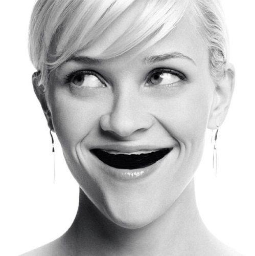 Διάσημες χωρίς δόντια (8)