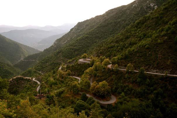 Δρόμοι στους οποίους η οδήγηση αποτελεί μοναδική εμπειρία (3)