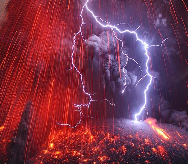 Φωτογραφίες ηφαιστειακής έκρηξης προκαλούν δέος (6)