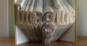 Απίστευτα γλυπτά με διπλωμένες σελίδες βιβλίων