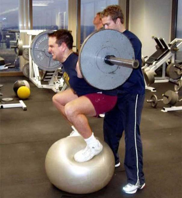 Άνθρωποι που δεν θα έπρεπε να έχουν πρόσβαση στο γυμναστήριο (4)