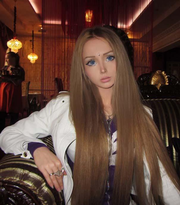 Η γυναίκα Barbie πριν και μετά την μεταμόρφωση (3)