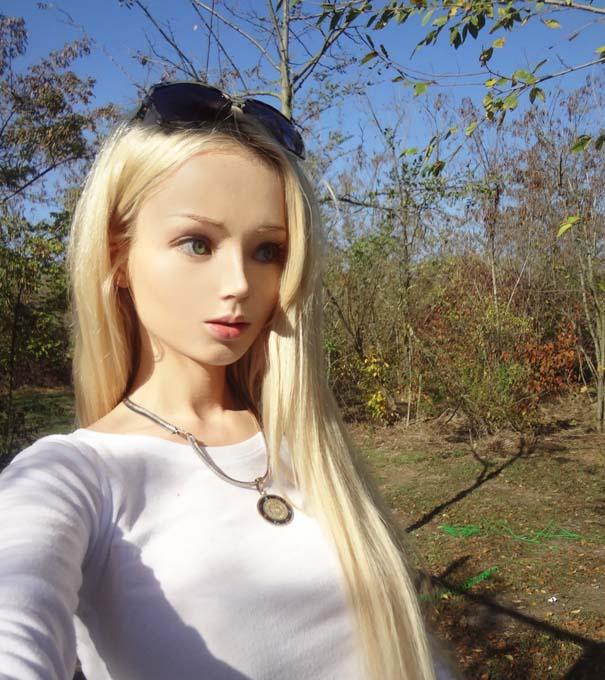 Η γυναίκα Barbie πριν και μετά την μεταμόρφωση (4)