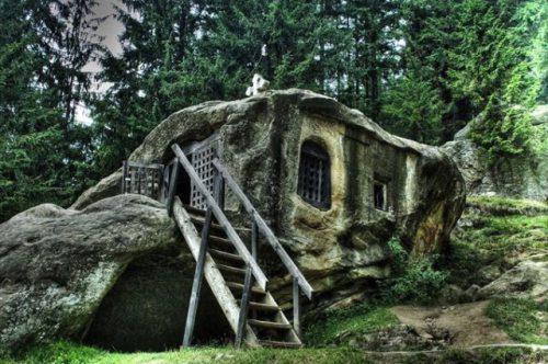 Μοναδικά και παράξενα σπίτια απ' όλο τον κόσμο (15)
