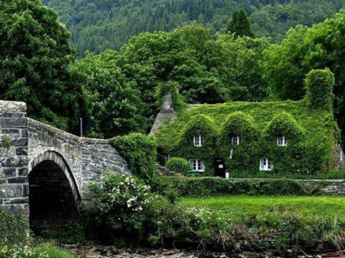 Μοναδικά και παράξενα σπίτια απ' όλο τον κόσμο (17)