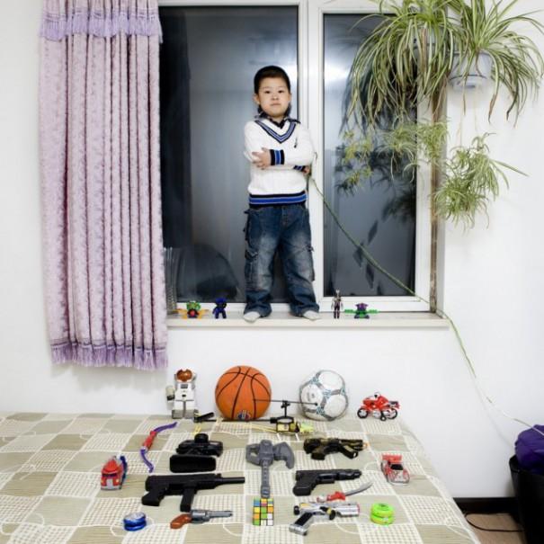 Παιδιά από 26 χώρες φωτογραφίζονται με τα αγαπημένα τους παιχνίδια (3)